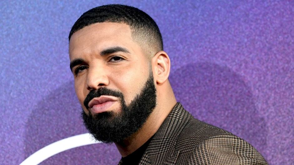 Drake lança single de surpresa e anuncia novo álbum