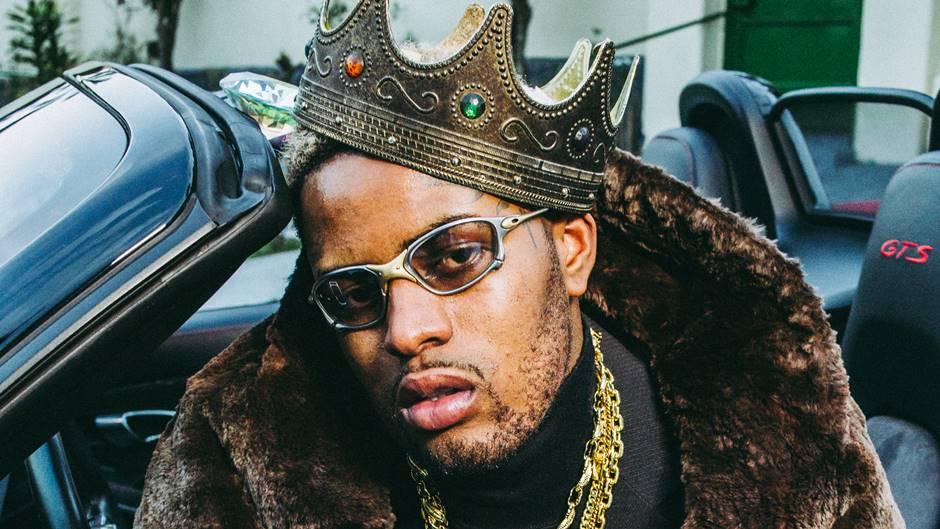 DIAMANTE, o 2º da carreira do artista MC IG. A música que dá título ao projeto é um feat dele com ninguém mais, ninguém menos que Sandrão RZO - produzida pelo icônico Dj CIA.