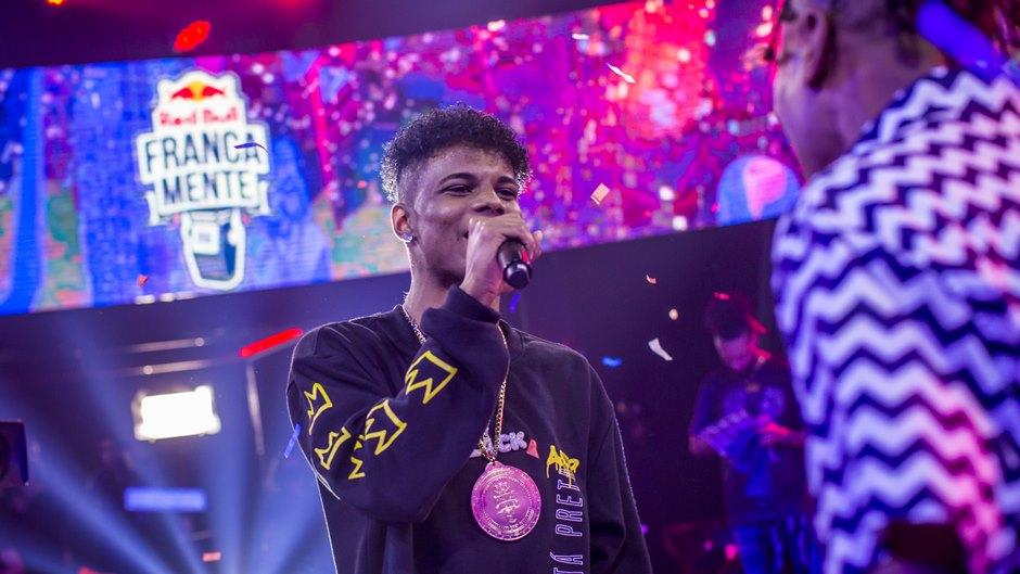 Campeão! Inspirado em Emicida, rapper arremata título nacional e vence uma das principais batalhas de rima do do Brasil