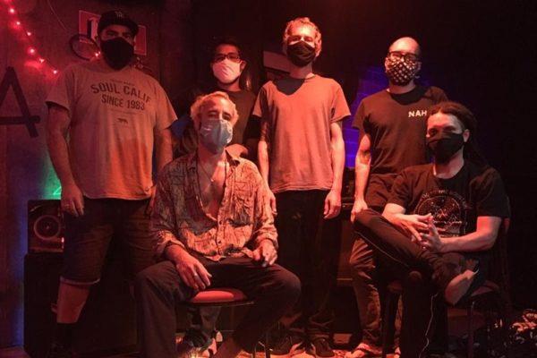 Projetonave e Caco Pontes lançam temporada de espetáculos online Shows acontecem entre os dias 31 de julho e 4 de agosto e são convite à uma viagem atmosférica entre macro e microcosmo, enquanto prévia de novo álbum