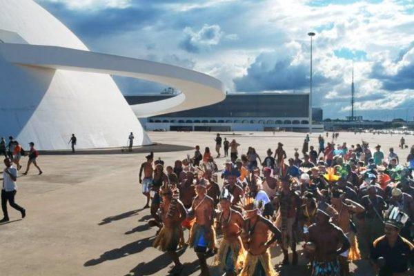 Meu Sangue é Vermelho mostra para o mundo, por meio do rap, o genocídio indígena no Brasil